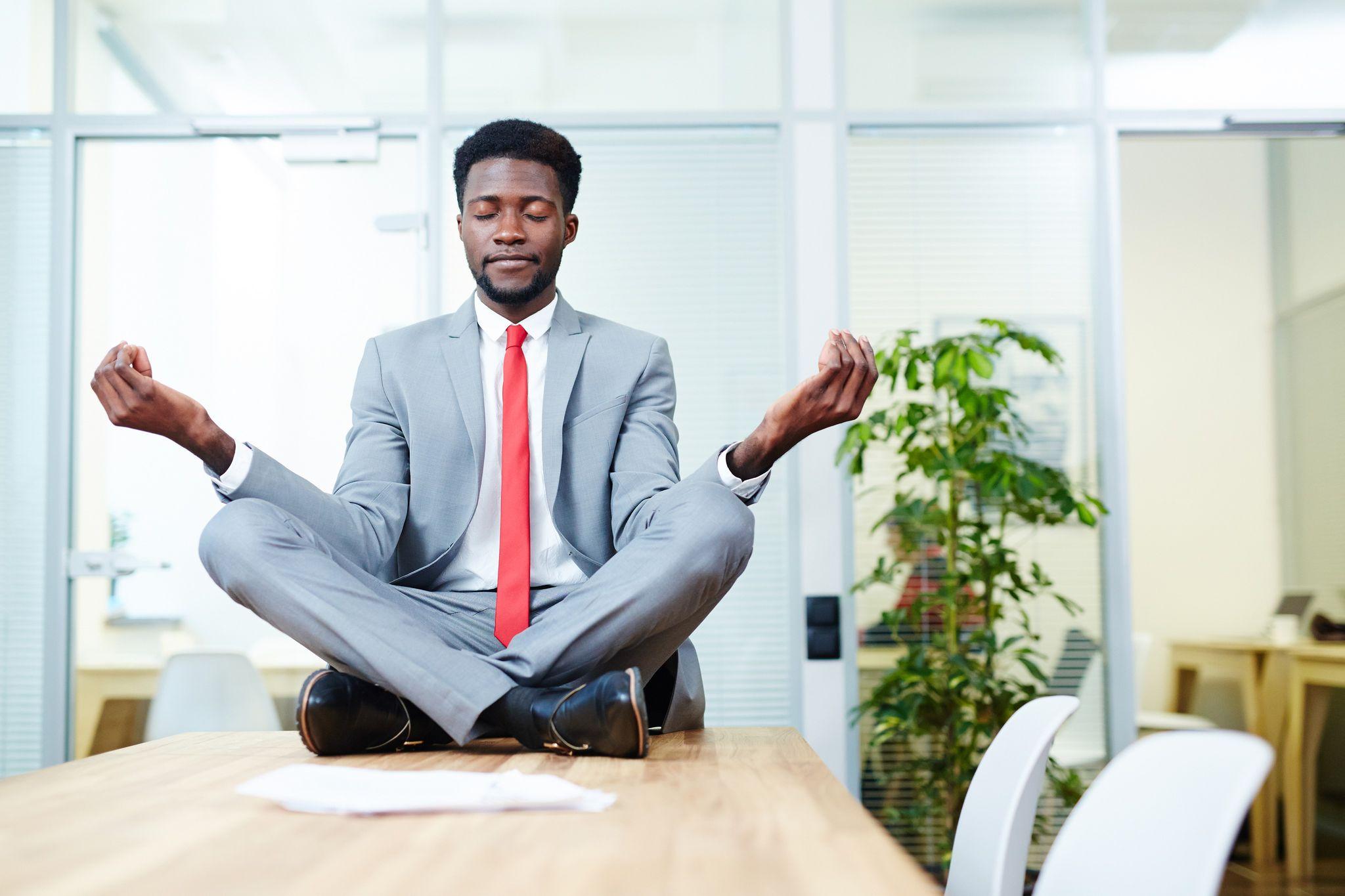 Retrouver la sérénité au travail en 3 astuces : c'est possible !