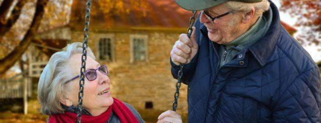 Comment choisir la bonne structure d'aide à domicile pour personnes âgées?